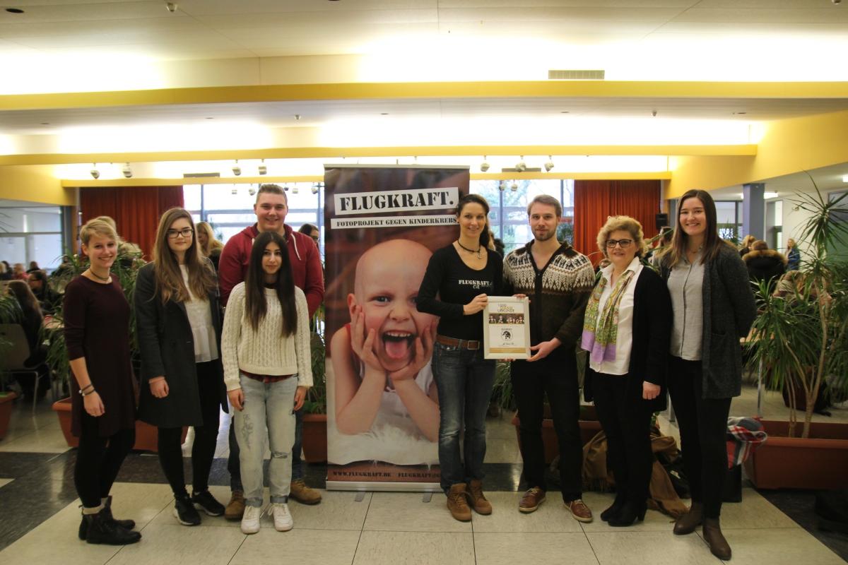 Justus-von-Liebig-Schule unterstützt krebskrankeKinder